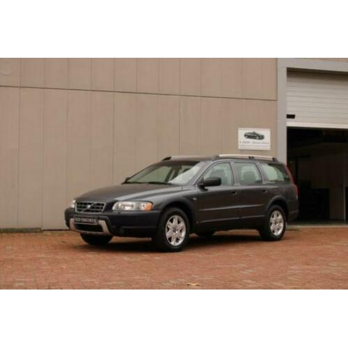 Volvo XC70 2.4 D5 AWD AUTOMAAT YOUNGTIMER (bj 2004)